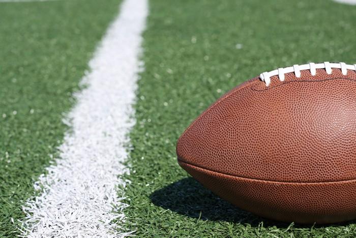 American-Football-Near-The-Yar-4395873-e1456353964900